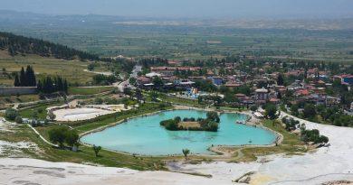 Памуккале — самый красивый геотермальный курорт Турции