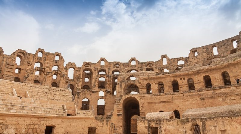 Амфитеатр в Эль-Джеме — главная античная достопримечательность Туниса